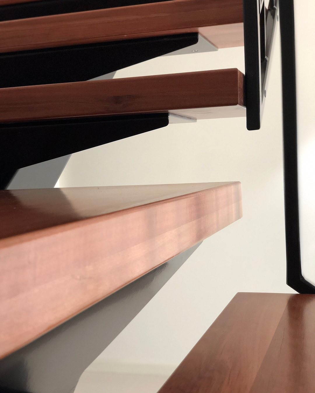 Timber Stairs Treads Sydney | Mono Stringer Stairs Sydney