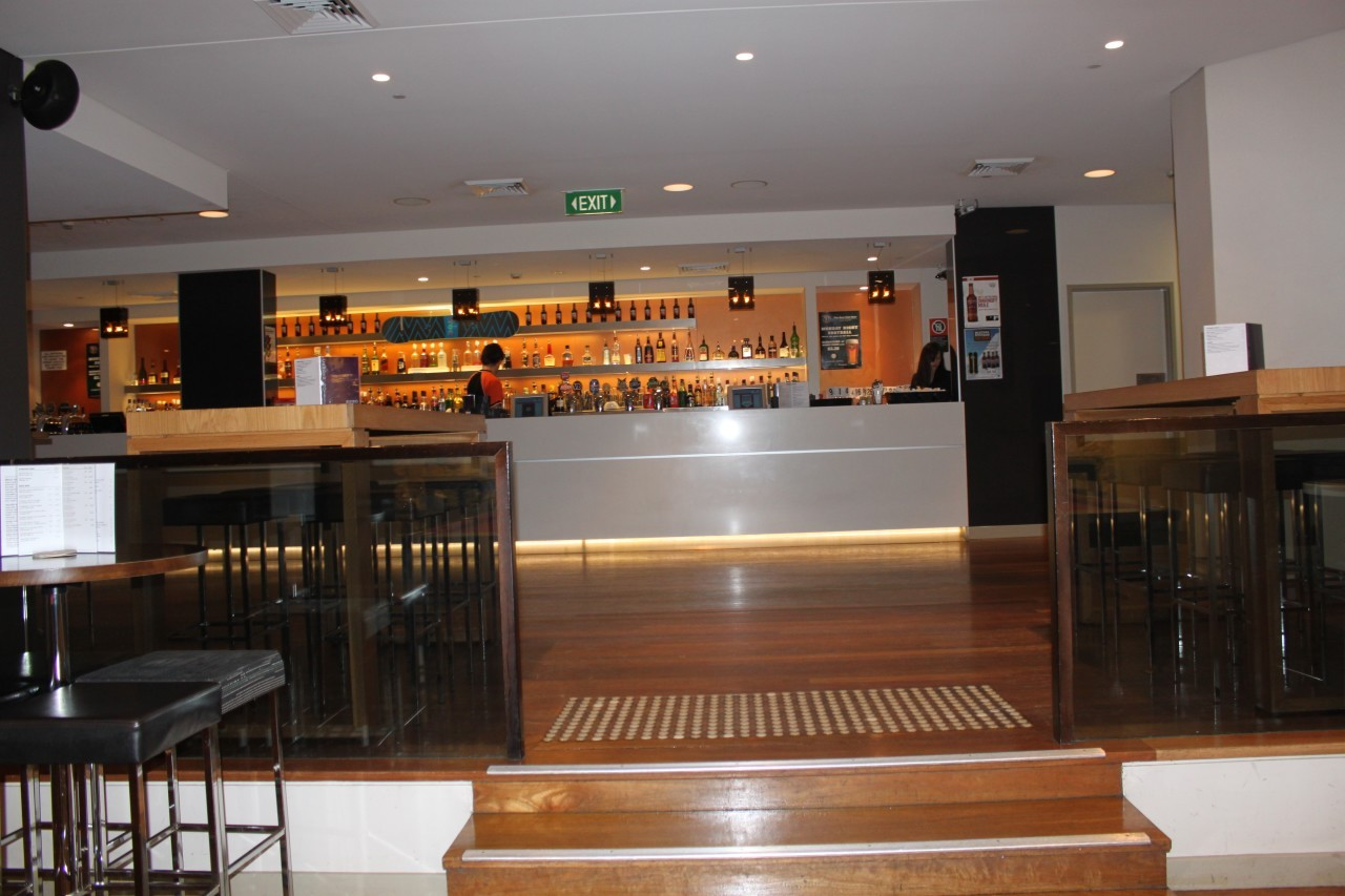 camden-hotel-main-bar-commercial-timber-flooring